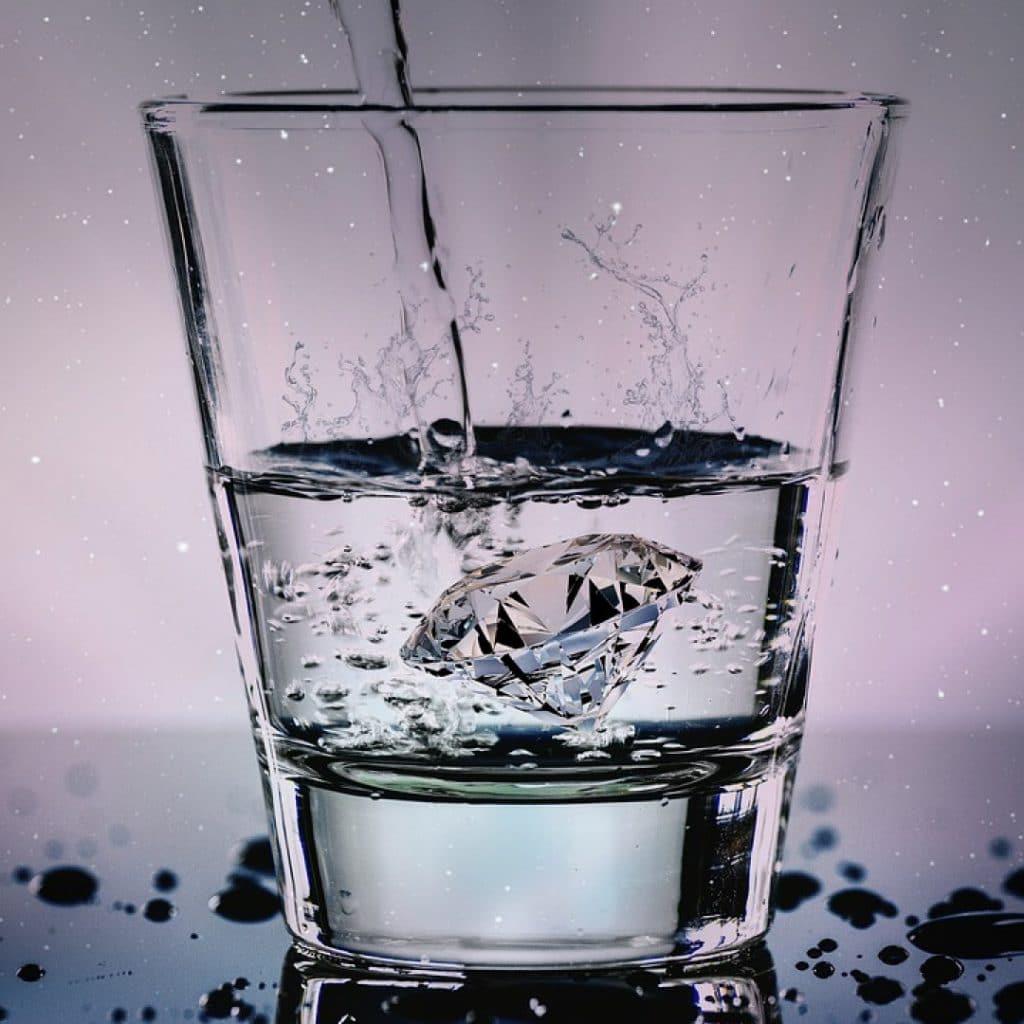 Entreprises, pourquoi opter pour la location de fontaine à eau ?